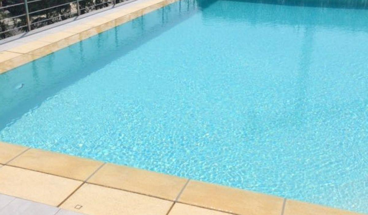 piscina-per-famiglia-sfioro-c77e3338eb8ed5d8988772d53c402bf1.jpg